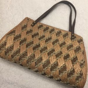 Summer Textured Straw Purse